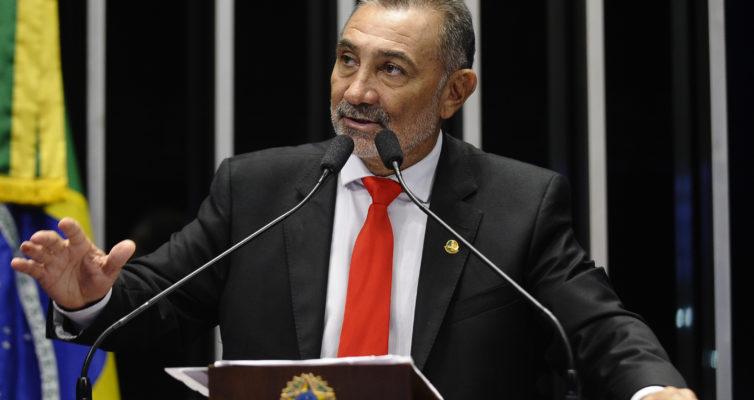 Plenário do Senado Federal durante sessão não deliberativa ordinária.  Em discurso, senador  Telmário Mota (PDT-RR).   Foto:   Jefferson Rudy/Agência Senado