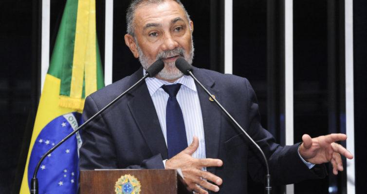 Plenário do Senado durante sessão não deliberativa.  Em discurso, à tribuna, senador Telmário Mota (PDT-RR).  Foto: Waldemir Barreto/Agência Senado